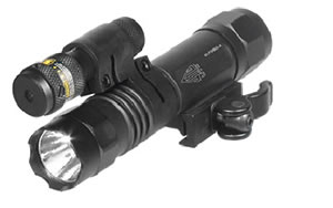 Leapers - UTG Accushot, Flashlight, Fits Picatinny, LED Weapon Flashlight with Adjustable Red Laser, 400 Lumen, with Quick Detach Mount, Black Finish LT-ELP38Q-A